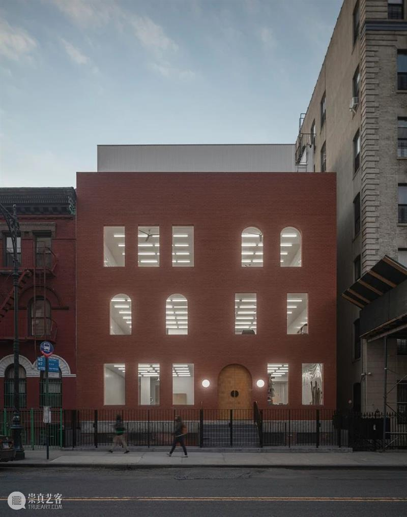 """""""教堂""""立面,哈莱姆区艺术家工作室 / SO-IL 哈莱姆区 艺术家 工作室 教堂 立面 Kubota Amer 空间 哈莱姆区西 Douglass大街 崇真艺客"""
