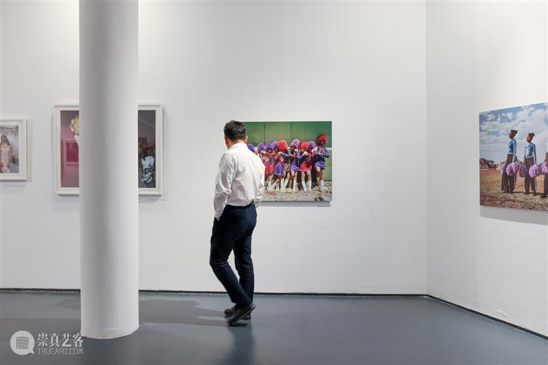 开幕回顾   并行中的肖像:南非当代摄影展 肖像 南非 摄影展 华侨城盒子美术馆 现场 Photography并行 艺术家艾丽斯·曼恩 Mann 艺术家 勒博杭 崇真艺客