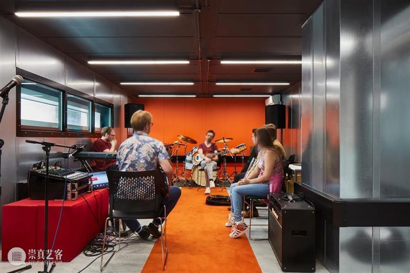 '吉他谱'立面,伦敦当代媒体学院新校区 / SPPARC Studio 视频资讯 ADCNews 伦敦 媒体 学院 新校区 立面 吉他谱 Reeve 音乐盒 建筑 LCCM 崇真艺客