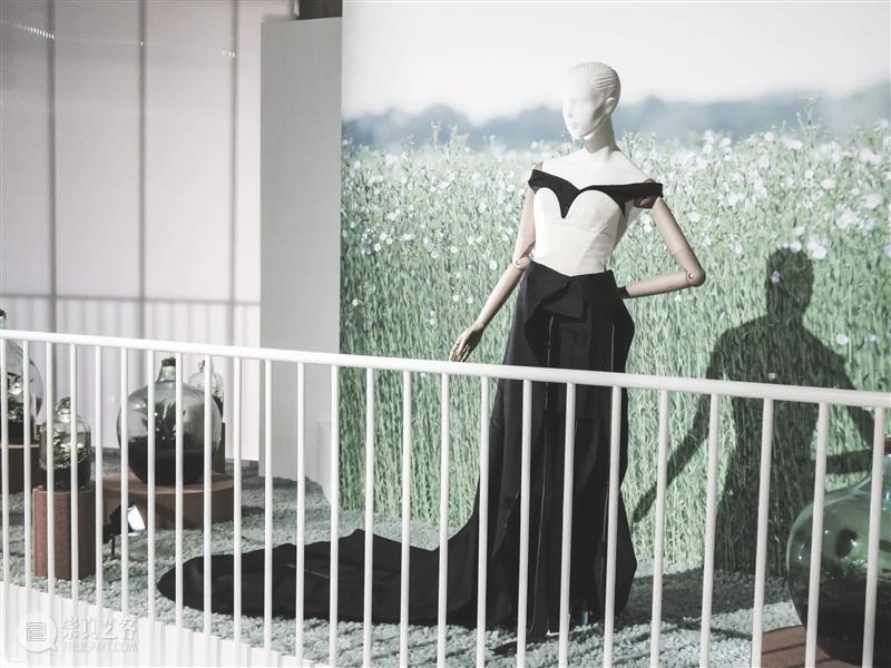新展预告 | 中法时尚之约 时尚 中法 新展 中法文化之春 华南 项目 CREWS双 品牌 法国驻广州总领事馆 华南区 崇真艺客