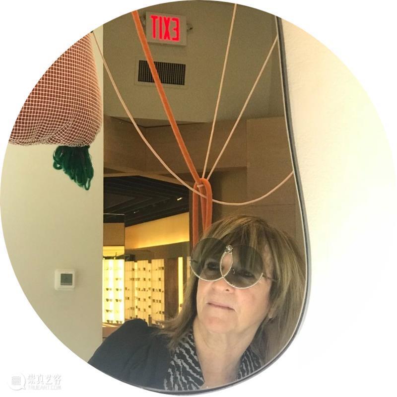 《本色出演/成为本尊》线上对谈 线上 活动 时间 主办方 上海喜玛拉雅美术馆 密西根大学罗睿驰中国研究中心 谈嘉宾 艺术家 苏珊 布罗 崇真艺客