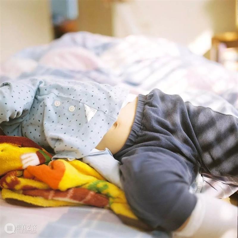 """长谷川美祈  """"什么是母爱?当我的女儿睡觉时,经常检查以确保她正在呼吸是我的日常工作。 长谷川 美祈 母爱 女儿 睡觉时 日常工作 日本福冈 Jewels 系列 日本 崇真艺客"""