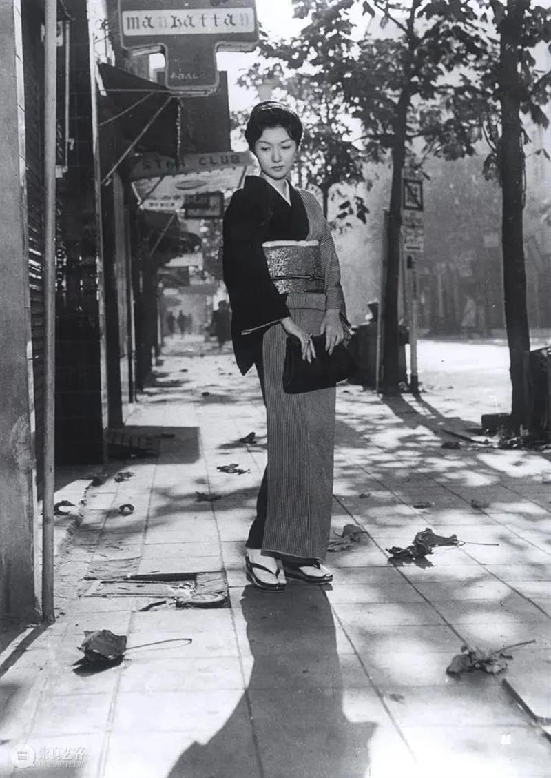 这是一幅战后银座女性的浮世绘 战后 浮世绘 银座 女性 成濑巳喜男 导演 一生 电影 其中 现实主义 崇真艺客