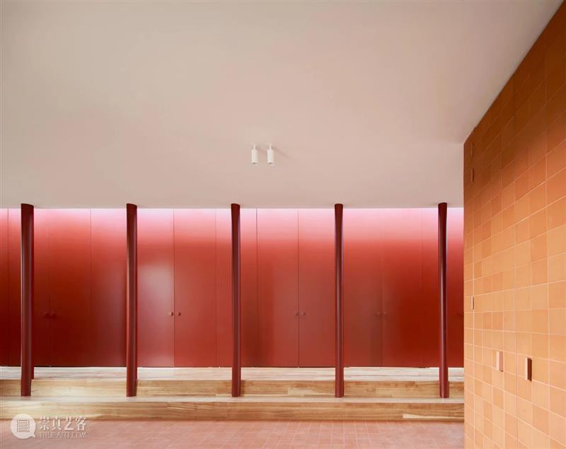 红白住宅 / ARQUITECTURA-G QUITECTURA 红白 住宅 José Hevia 房屋 坡度 地块 地势 美景 崇真艺客
