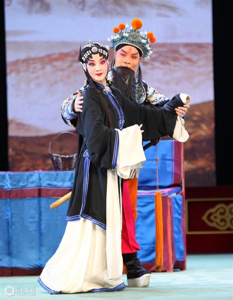 橙光暮色后,深夜蓝月前,在一天中最美的时刻来剧院|一周演出推荐  国家大剧院 崇真艺客