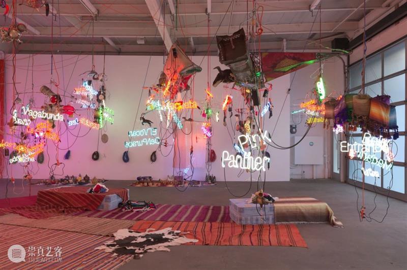 今日生日   杰森·罗德斯(Jason Rhoades) 杰森 罗德斯 Rhoades 生日 Jason 华纳坦吉尔吊灯 西班牙 马拉加 现代 艺术 崇真艺客