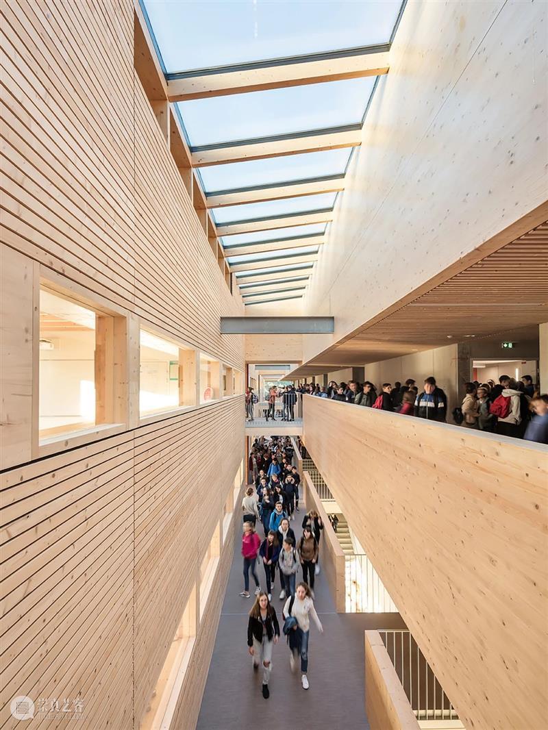 '木制'学院  / Dietrich | Untertrifaller + Colas Durand Dietrich BoeglyLamballe 学院 法国 布列塔尼 学生 建筑材料 木材 建筑 六面体 崇真艺客
