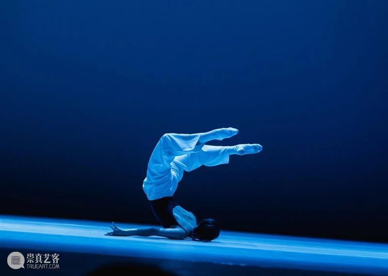 """最会跳舞的""""谋女郎""""、丽人行原版C位...人气舞者齐聚,带你展开一场时空之旅 视频资讯 SIDCT 舞者 人气 丽人行 谋女郎 原版 时空 李超 编导 作品 卡冈 崇真艺客"""