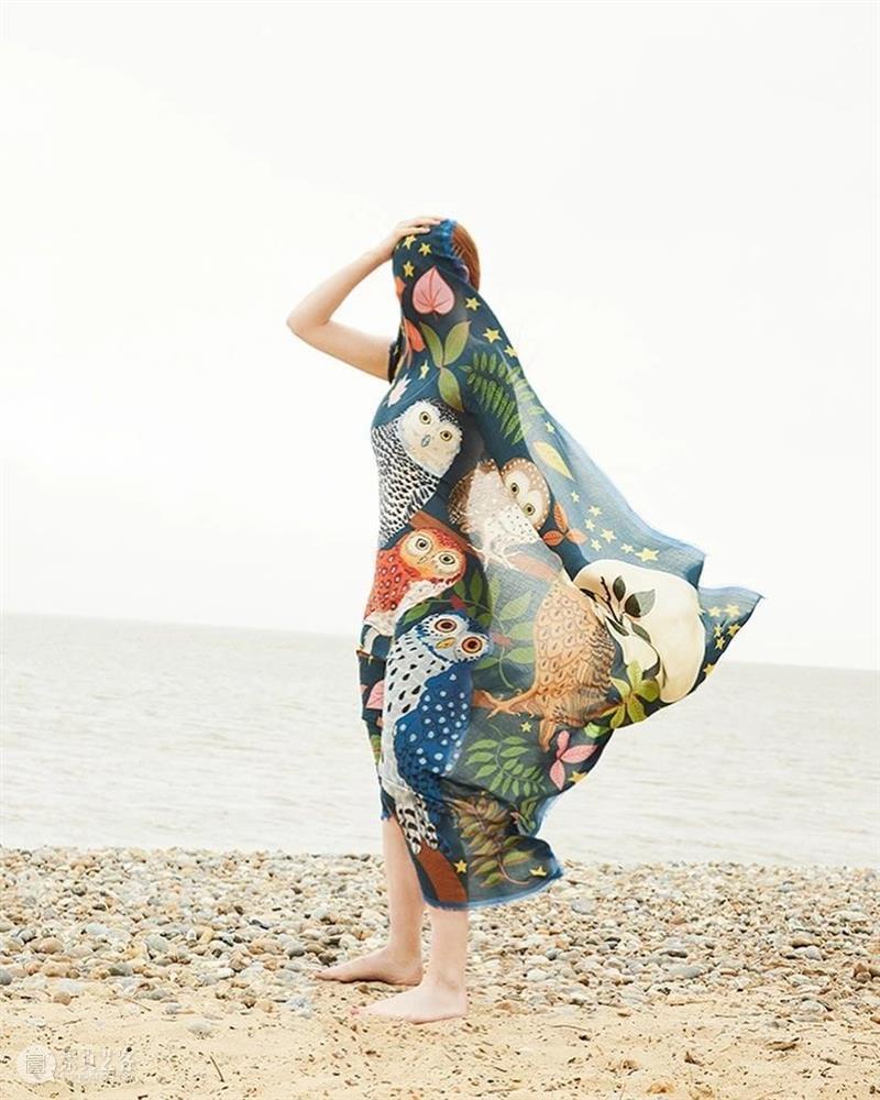 谁说只有大妈才玩丝巾,年轻人玩起来照样是潮流! 大妈 丝巾 年轻人 潮流 END 崇真艺客