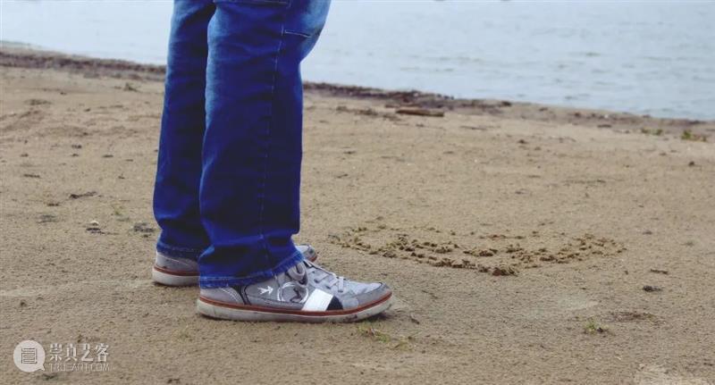这双运动鞋,竟然遇水秒弹开,雨天也能大胆穿! 运动鞋 雨天 脚汗 脚掌 心情 CARTELO 卡帝乐 跑鞋 下雨天 马路 崇真艺客