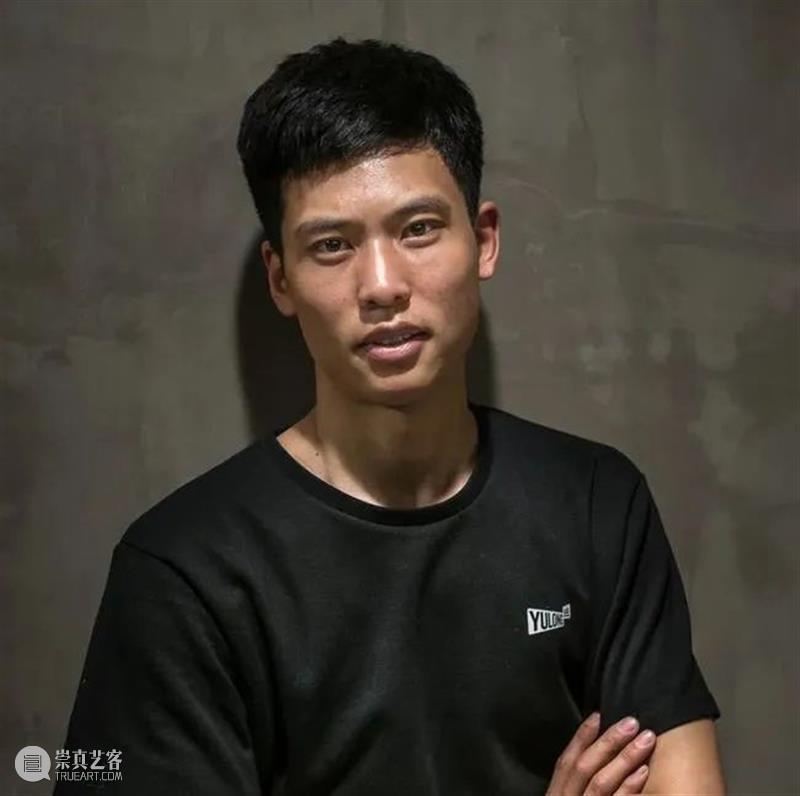 30周年   李严 - 有幸成为红门画廊的一员 红门画廊 李严 一员 二维码 时间 Yan 记忆 布朗 名词 朋友 崇真艺客