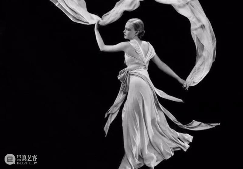 """""""服装建筑师""""的无缝天衣丨AMNUA设计 建筑师 服装 无缝天衣丨AMNUA 克里斯汀·迪奥 Dior 时装界 高手 法国 时装 大师 崇真艺客"""