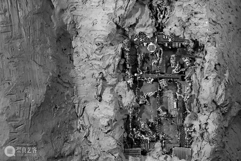 从泥土到语言   耿雪:生命的寓言 泥土 语言 耿雪 生命 寓言 陶瓷 媒介 纪录片 上海明珠美术馆策划举办 方式 崇真艺客