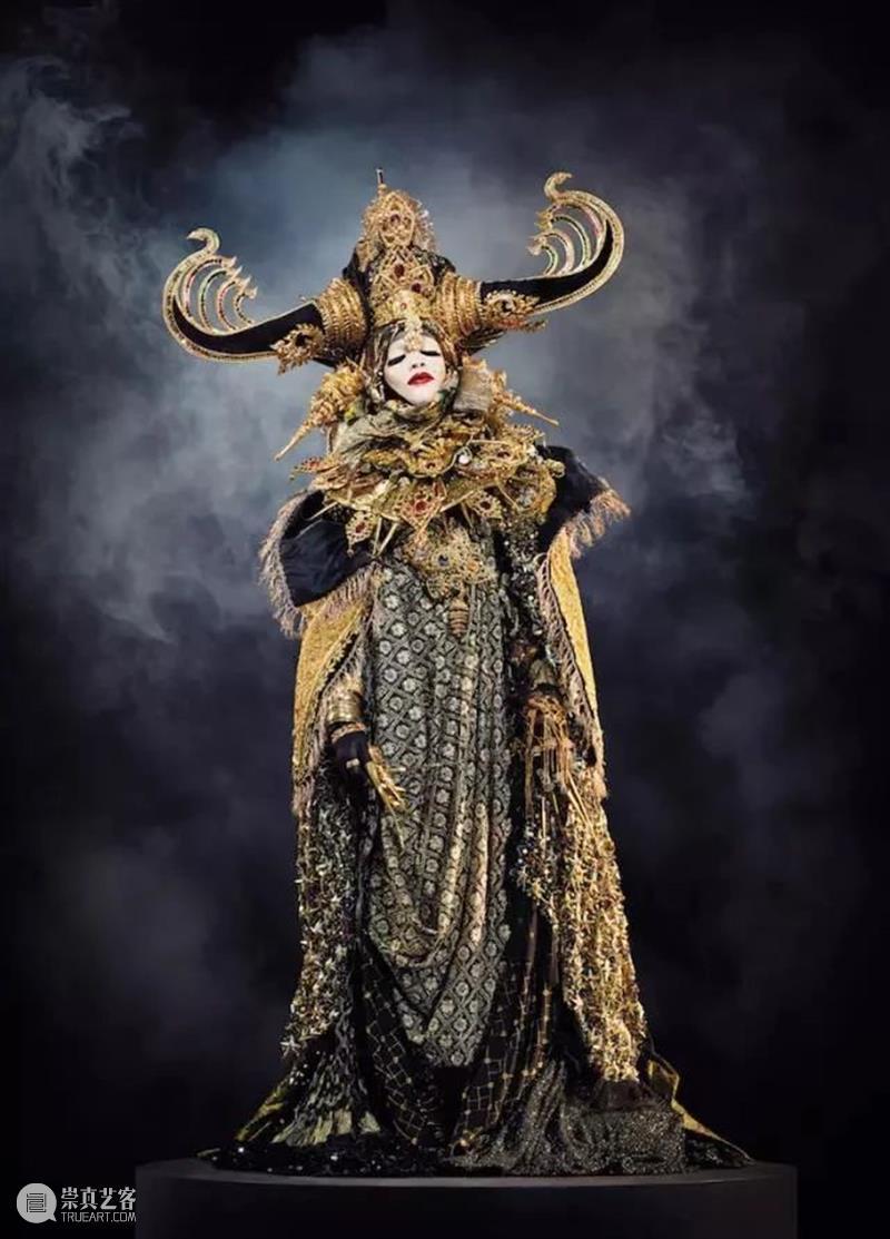 【IFA-时尚资讯】Daniel Lismore 全英国最出格的着装者 Daniel Lismore 英国 IFA 资讯 着装者 许多人 大部分 过程 周遭 崇真艺客