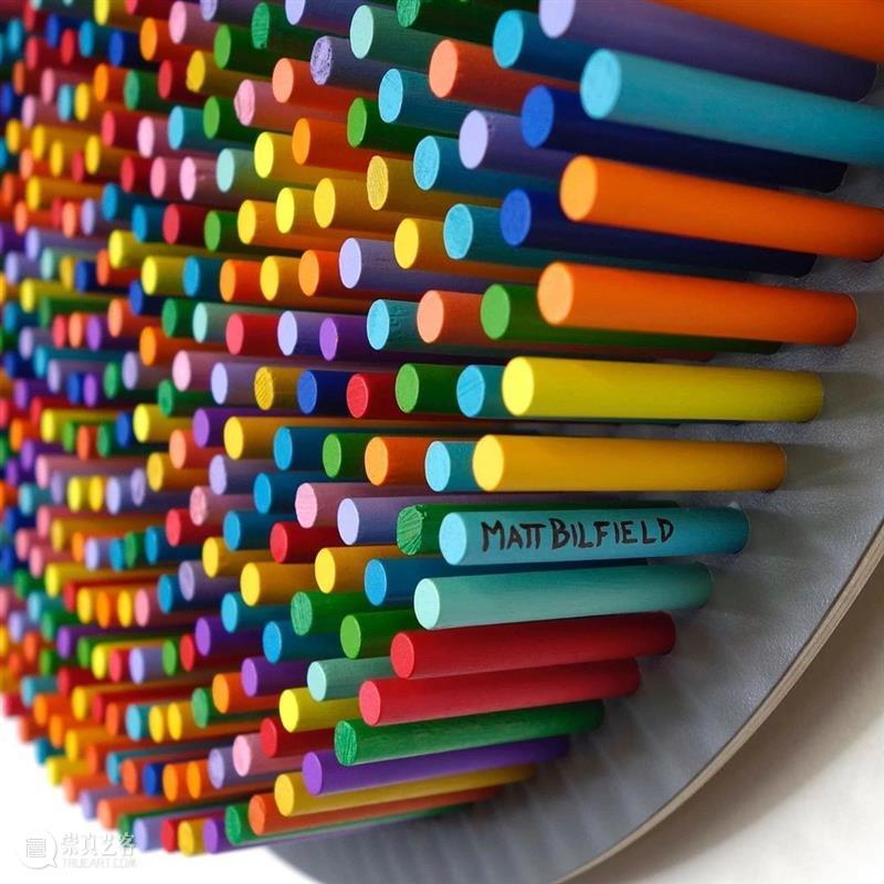 """用无数根""""色棒""""拼凑出来的作品,耐心与艺术的完美结合 ! 色棒 作品 耐心 艺术 END 崇真艺客"""
