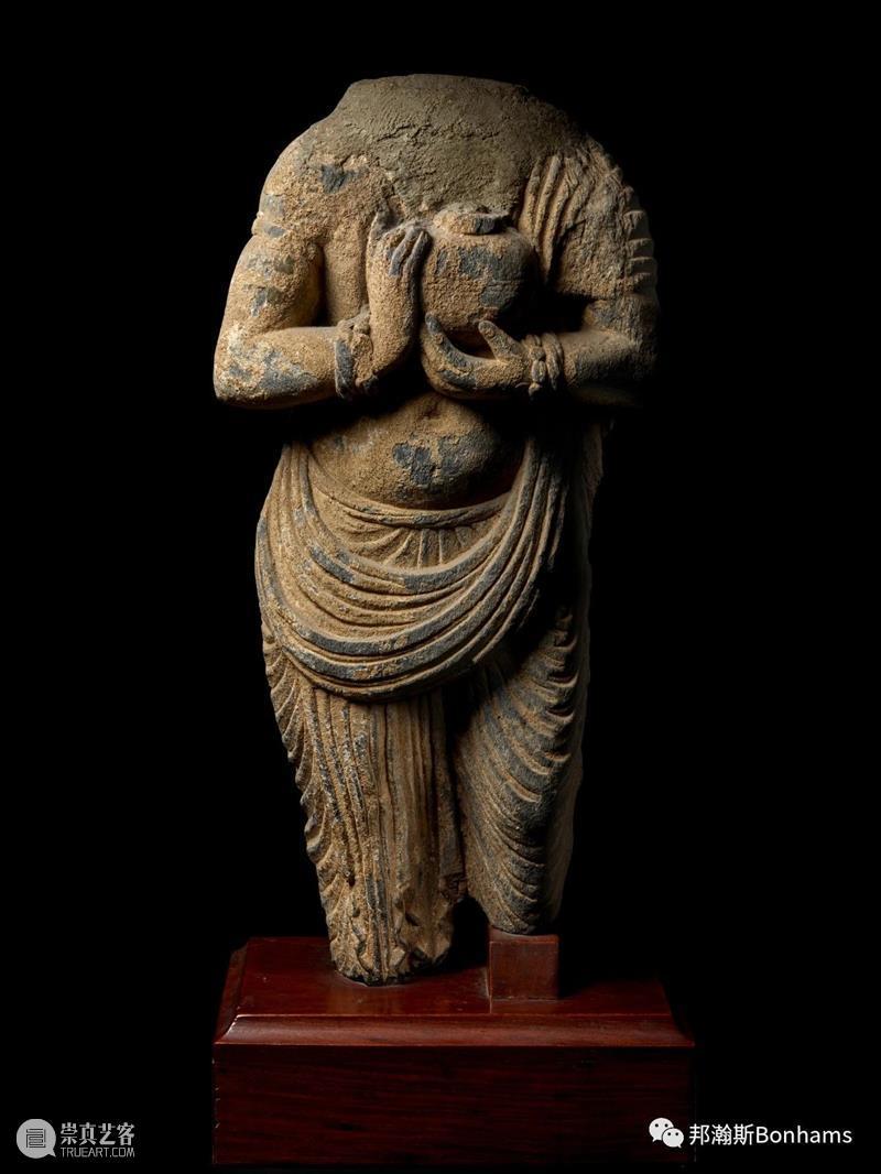 纽约邦瀚斯 | 印度、喜马拉雅及东南亚艺术 | 铜鎏金佛陀立像 纽约 邦瀚斯 印度 喜马拉雅 东南亚 艺术 铜鎏金佛陀立像 亚洲 期间 鎏金佛陀立像 崇真艺客
