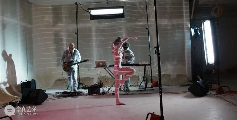 BlueriderDaily 开幕式暨直播预告 一条 BlueriderSky 马克的木箱摇滚 9.11 开幕式 马克 木箱 摇滚 MARCK 媒体 贵宾 内部 艺术家 大众 崇真艺客