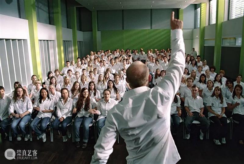 总会有个人,在你生命里点一盏灯 总会 个人 生命 身上 老师 痕迹 学科 精神 内核 时间点 崇真艺客