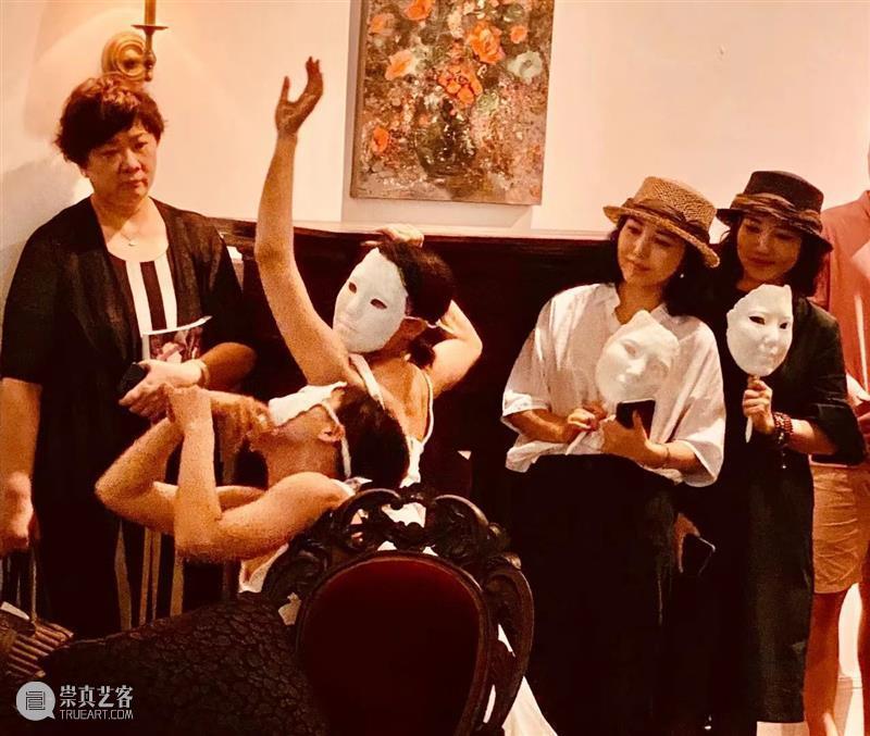 开幕回顾   你在,孪生的隐喻-诗梅与诗雪作品展 隐喻 诗雪 作品展 广州 空间 艺术家 孙诗梅 孙诗雪 双胞胎 艺术 崇真艺客