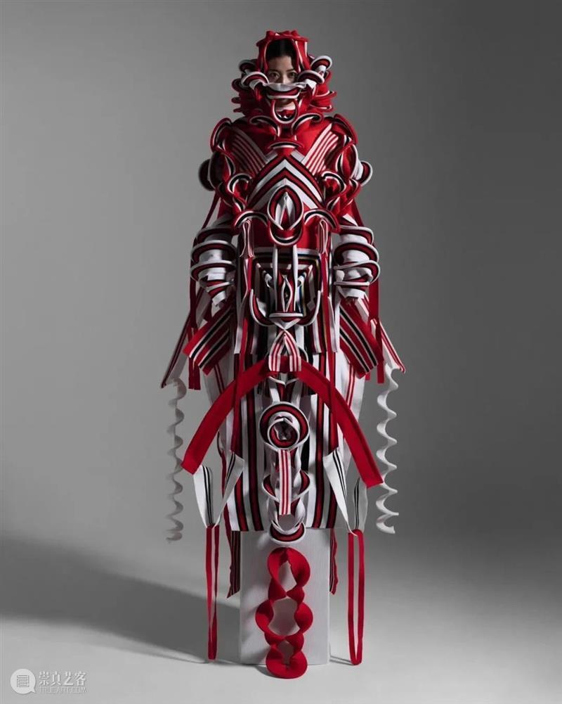 【IFA-时尚资讯】Ryunosuke 面料「软雕塑」探索自然与人类的界限 自然 面料 界限 人类 IFA 资讯 雕塑 脉搏 东西 玫瑰 崇真艺客