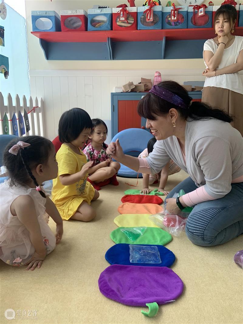Carousel 语言角丨在游戏中感受语言的魅力 语言 游戏 魅力 Languages纽约旋转木马语言学校 创始人 早期 儿童 专家 语言学家 家长 崇真艺客