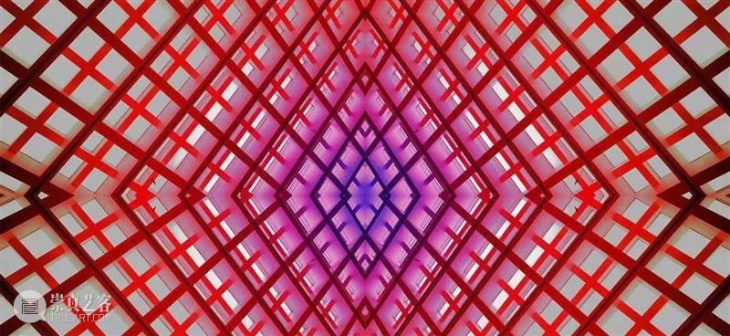 《彩色玻璃窗》在场与冥想精彩视频   胡介鸣 视频资讯 APSMUSEUM 视频 胡介鸣 彩色玻璃窗 APSMUSEUM 彩色 玻璃窗 新媒体 艺术家 作品 寻像器 崇真艺客