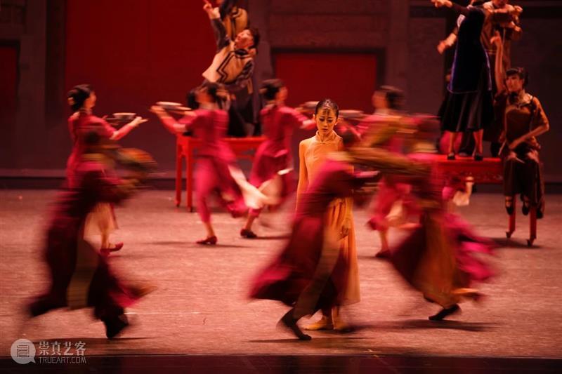 《沙湾往事》上海首演|踏上青石小道,重回沙湾古镇的那段峥嵘岁月  国舞剧场 沙湾往事 沙湾古镇 上海 青石 小道 RACING 上海国际舞蹈中心 剧场 广东 音乐 崇真艺客