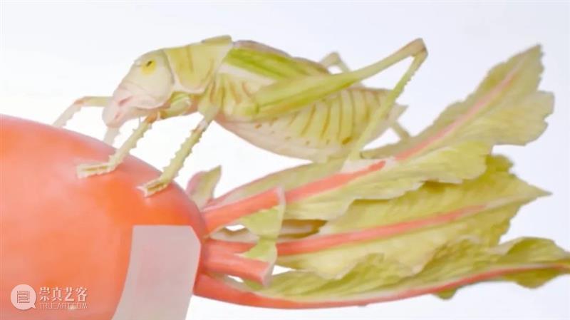 人在博物馆,很想吃文物 博物馆 文物 网友 网络 陶瓷 生瓷 果品 故宫博物院 粉彩像生果品高足盘 藏唐 崇真艺客