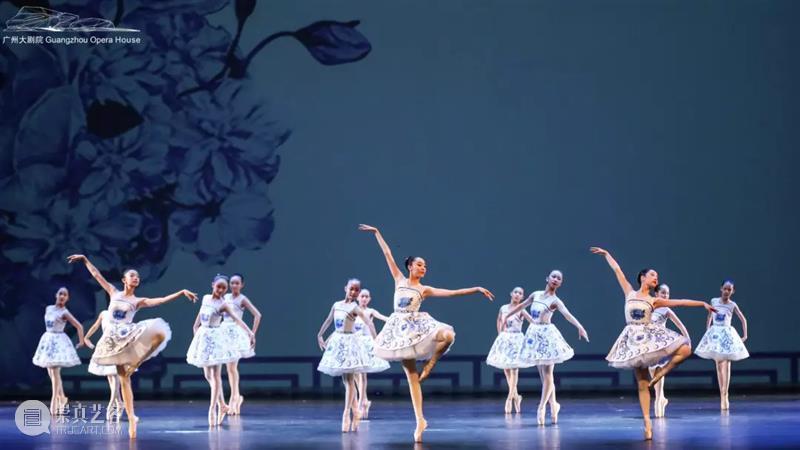 以芭蕾献礼,足尖上的青春礼赞 足尖 芭蕾 青春礼赞 少年 舞台 青春 民族 文化 民族经典广州大剧院少儿芭蕾舞团 英姿 崇真艺客