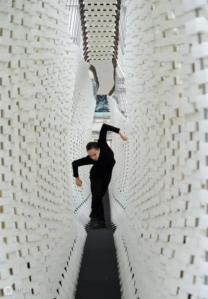 互动装置艺术|基于计算机图形在空间中展示出的艺术形态  李文欣 装置 艺术 计算机 图形 空间 形态 学术 定义 信息 数据 崇真艺客