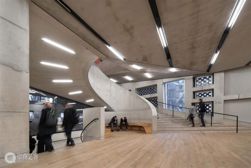 建筑 当公共艺术的感性邂逅城市规划建设的理性,会发生什么? 艺术 感性 理性 建筑 上方 中国舞台美术学会 右上 星标 本文 城市艺术季 崇真艺客