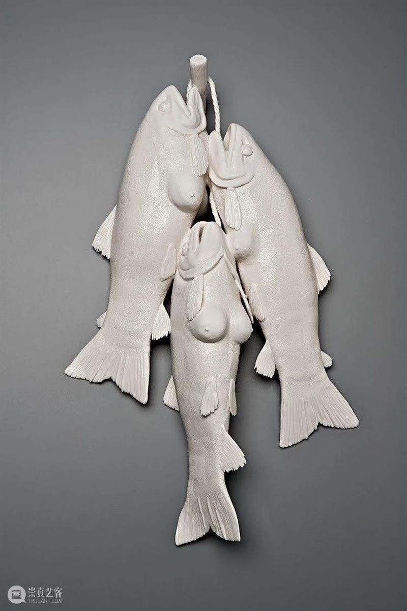 雕塑丨Kate Macdowell:用另类陶瓷雕塑展现人与动物共同存亡 Macdowell 陶瓷 雕塑 动物 上方 中国舞台美术学会 右上 星标 本文 巨匠 崇真艺客