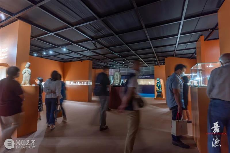 【嘉德香港】无惧风雨、人气满满!专家带您领略秋拍精彩看点 嘉德 香港 专家 看点 风雨 人气 中国 拍卖会 香港会议展览中心 10月 崇真艺客