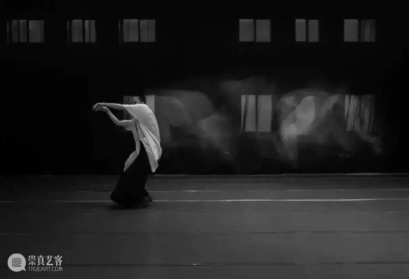 """福利 自混乱中诞生——侯莹""""剑""""指当下,新作世界首演 世界 侯莹 当下 福利 新作 现代 消失 舞蹈 剧场 上海国际舞蹈中心 崇真艺客"""