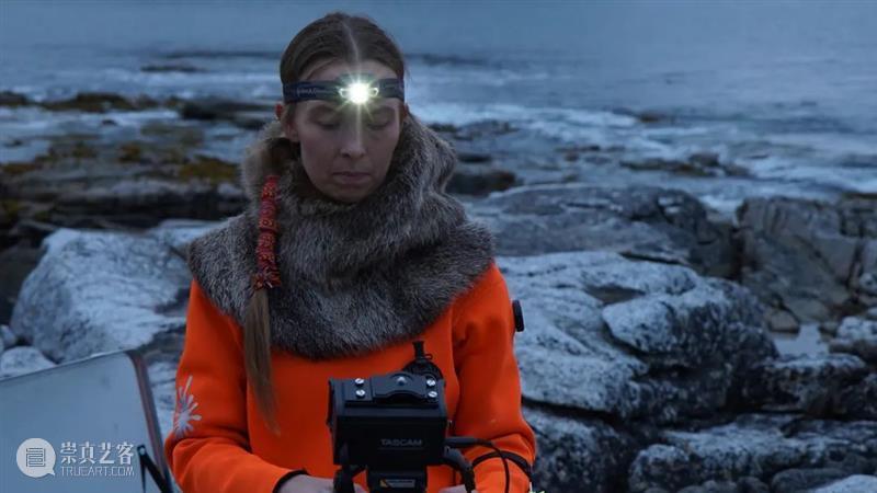 这个金秋,奔赴三场瑞士影像专题展 金秋 瑞士 影像 专题展 往下 Ursula Biemann 海之声境 Orlow 传统草药 崇真艺客